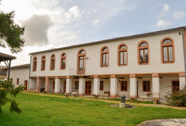 Magnifique Domaine agro-touristique de 72 ha avec vaste demeure de caractère et dépendances